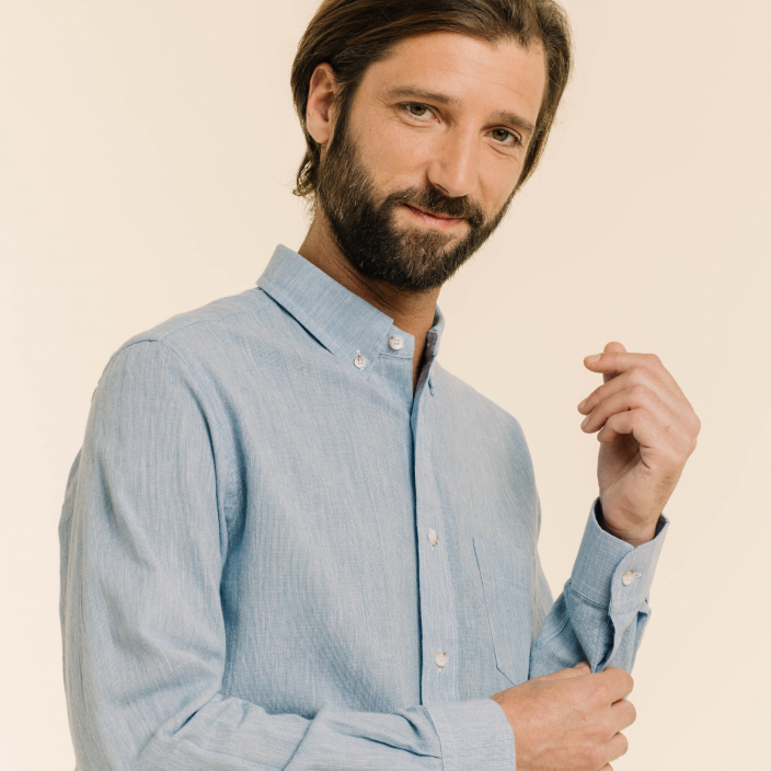Fil à fil button down collar blue shirt