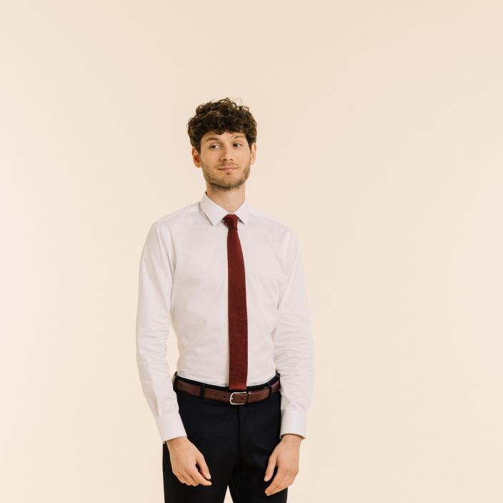 Cravate bordeaux en maille de soie