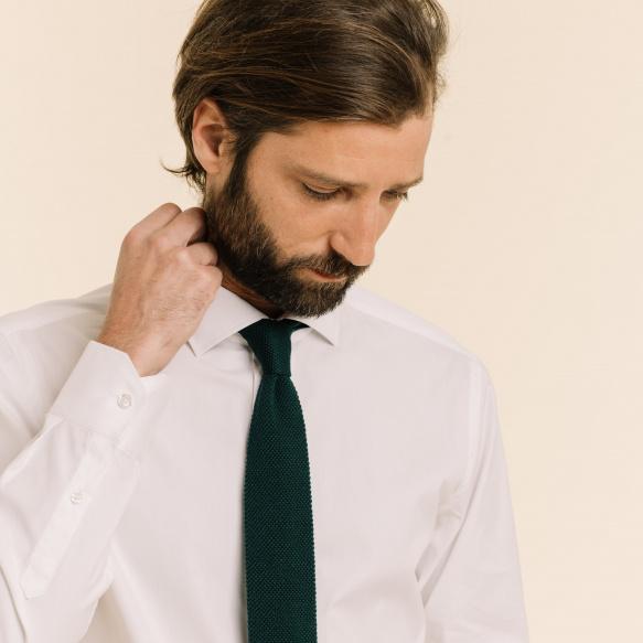 Cravate bordeaux en maille de laine