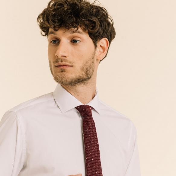 Cravate fine grenadine de soie rouge à pois