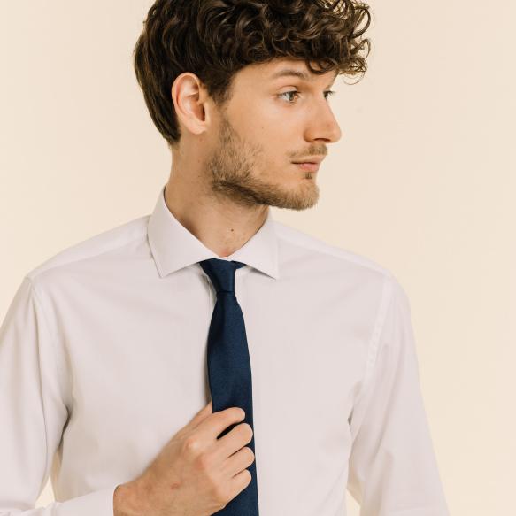 Cravate fine bleue