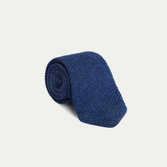 Cravate bleue en maille de laine