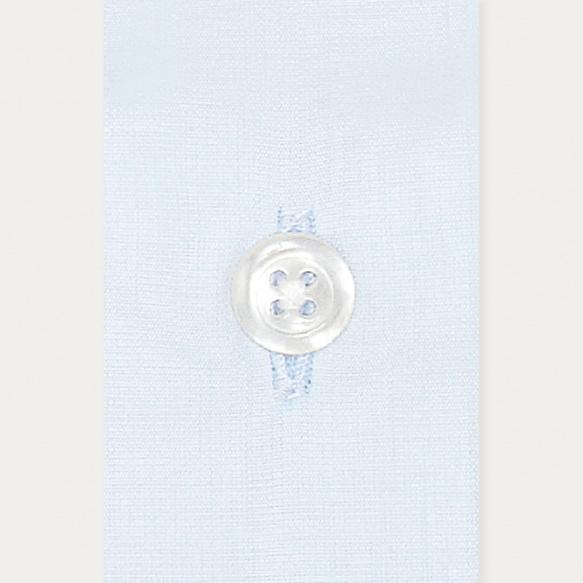 Chemise classique en popeline bleu clair à poignets mousquetaires