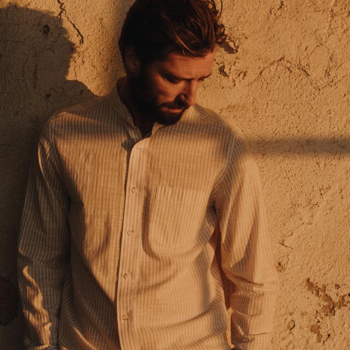 Chemise décontractée en coton à rayures beiges